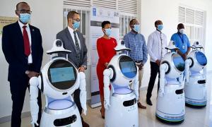 Tiểu đội robot hỗ trợ bệnh viện