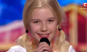 Cô bé 11 tuổi chinh phục bài hát 'khó nhất thế giới'