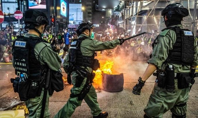 Bốn nước tố Trung Quốc vi phạm nghĩa vụ với Hong Kong