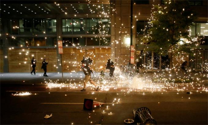 Bạo loạn 'đã ngấm vào máu' biểu tình tại Mỹ