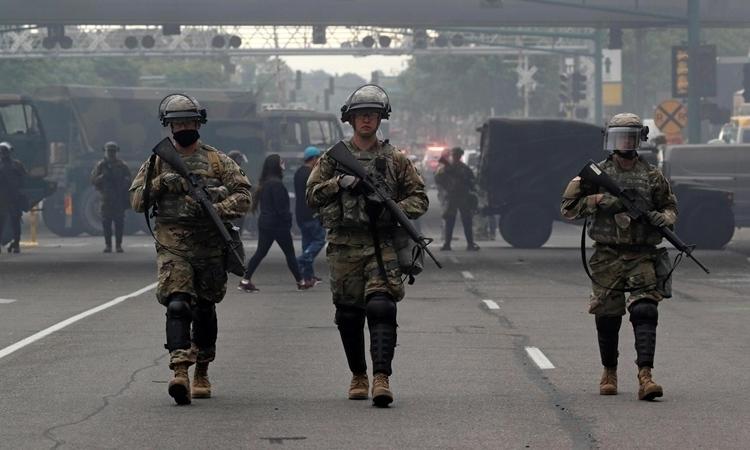 Vệ binh Quốc gia Mỹ nhiễm nCoV khi đối phó biểu tình