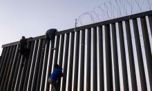 Tường biên giới của Trump vừa xây đã 'thủng'