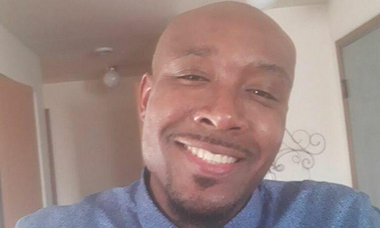 Mỹ điều tra lại vụ người da màu chết vì 'không thở được'