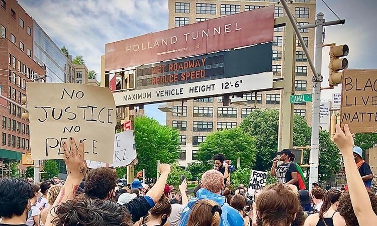 Người biểu tình New York chặn đường hầm