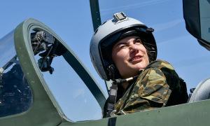 Nữ học viên Nga tập làm chủ chiến đấu cơ