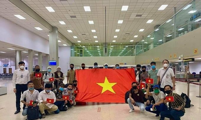 Ưu tiên đưa 14.000 người Việt Nam về nước