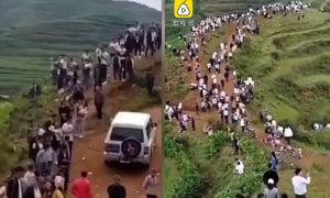 Hàng trăm người bị hớ khi lên núi tìm 'quái vật'