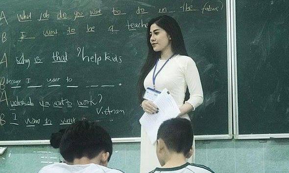 'Xã hội hóa trường chuyên để không còn giáo viên biên chế suốt đời'