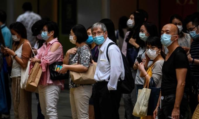 Hong Kong đối mặt làn sóng Covid-19 thứ ba nghiêm trọng