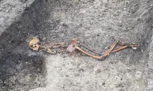 Hài cốt nạn nhân bị hành hình 2.000 năm trước