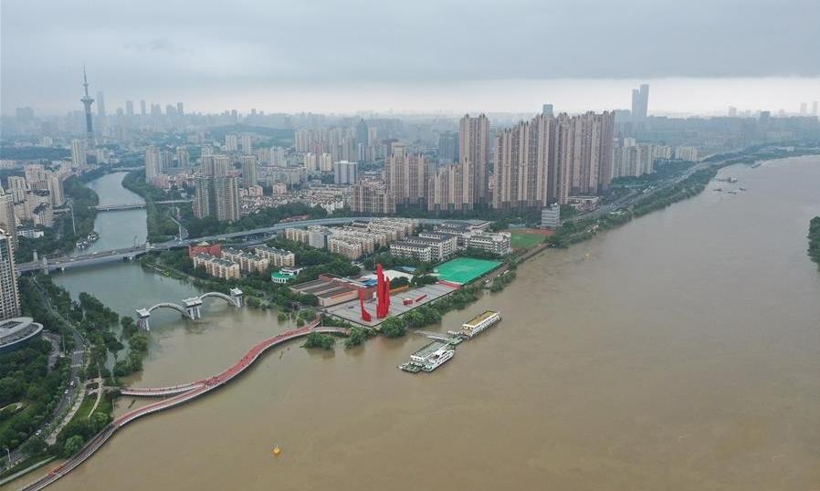 Nước sông Trường Giang vượt báo động