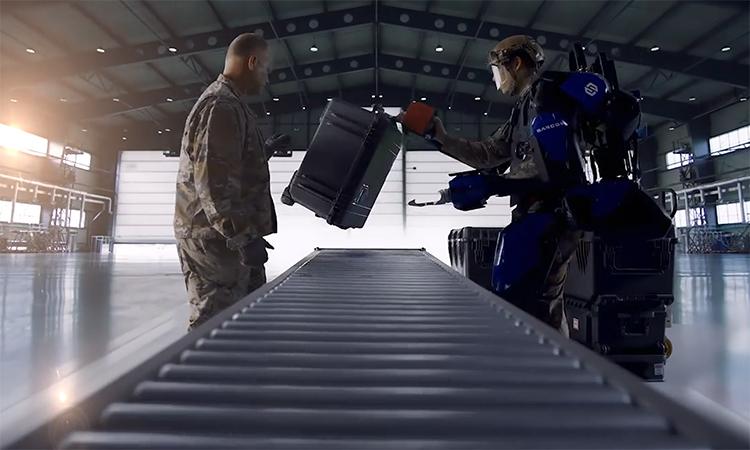 Trang phục robot giúp lính Mỹ khỏe gấp 10