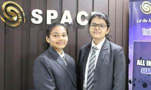 Hai nữ sinh phát hiện tiểu hành tinh mới gần Trái Đất