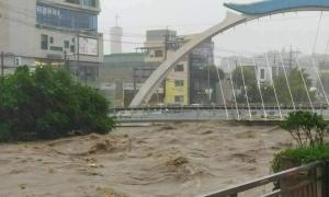 Người Việt ở Hàn chống chọi với mưa lũ lớn giữa Covid-19