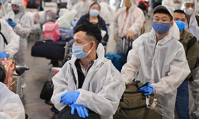 Hơn 340 người Việt ở Nga về nước