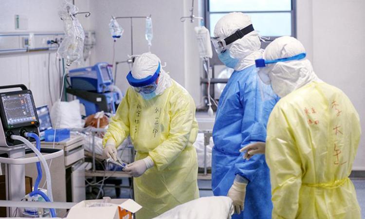Gần 300 người Trung Quốc nhập viện vì uống nước nhiễm khuẩn