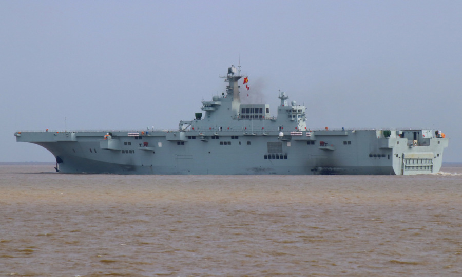 Tàu sân bay trực thăng Trung Quốc thiếu trực thăng