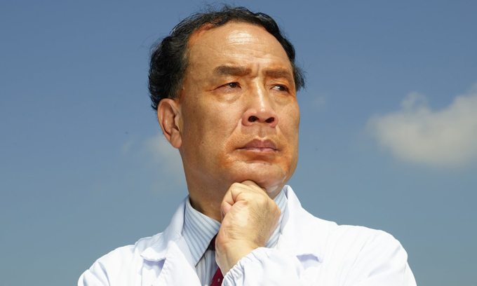 Nhà khoa học Trung Quốc đầu tiên lập bản đồ gene nCoV