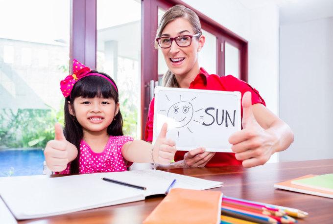 Trẻ nhỏ nên học tiếng Anh thế nào?