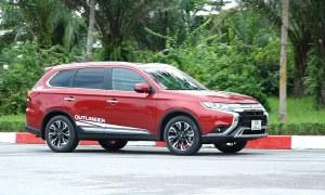 Đánh giá Mitsubishi Outlander 2.4 Premium - crossover nhiều công nghệ