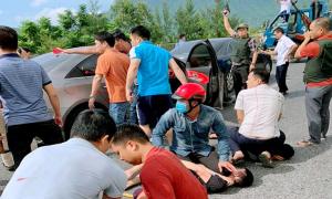 Cảnh sát nổ súng khống chế nhóm buôn ma túy trên quốc lộ