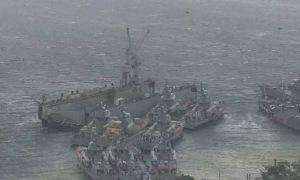 Ụ nổi đâm loạt tàu chiến Nga
