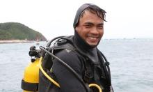 'Người nhái' kéo cáp ngầm xuyên biển ra đảo Trần
