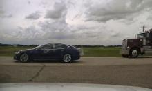 Tài xế nằm ngủ khi ôtô chạy 140 km/h trên cao tốc