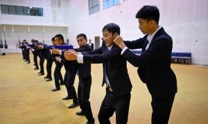 Vệ sĩ thời công nghệ cho giới nhà giàu Trung Quốc