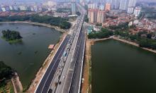 Hai cầu vượt qua hồ Linh Đàm trước ngày thông xe