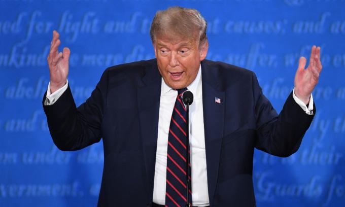 Trump 'phá chiến thuật' khiến trợ lý bất an