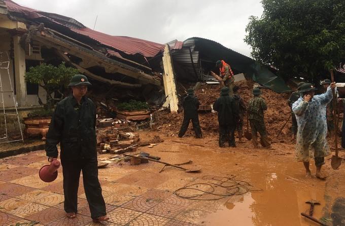 84 người chết do mưa lũ ở miền Trung