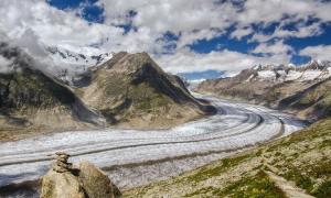 Tuyết tích tụ thấp kỷ lục trên sông băng Aletsch