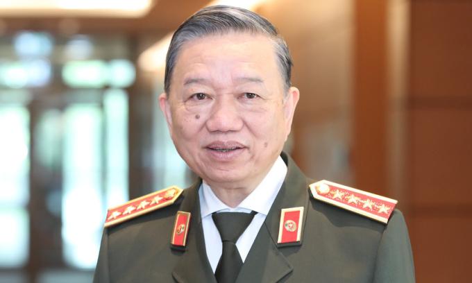 Bộ trưởng Tô Lâm: 'Cần dứt khoát bỏ hộ khẩu giấy'