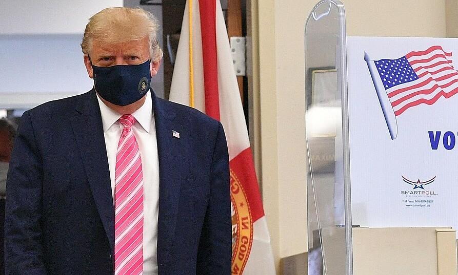 Trump đi bỏ phiếu sớm