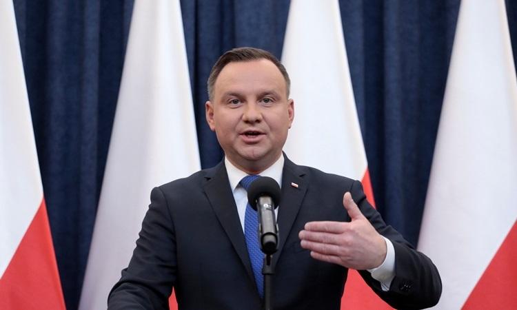 Tổng thống Ba Lan dương tính với nCoV