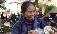 Quỹ Hy vọng trao 2.000 suất quà đến người dân vùng lũ