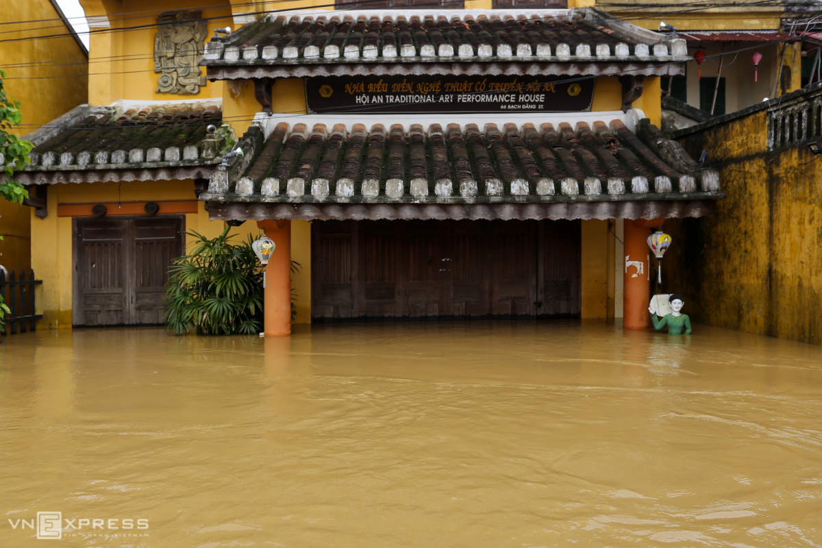 Dac-Thanh-Hoi-An04-1605165560