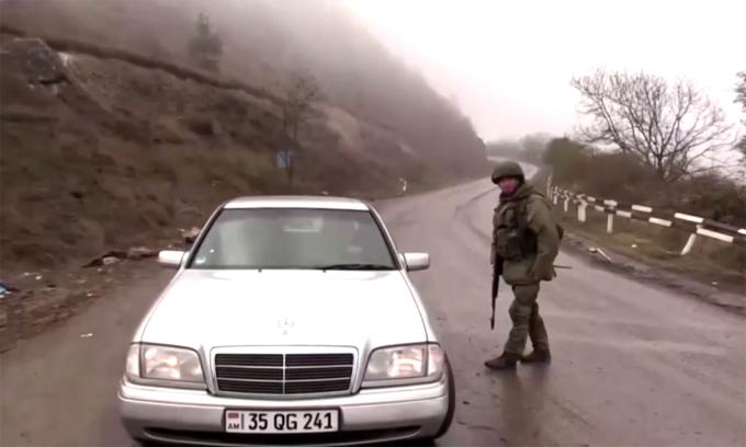 Lính Nga lập chốt gìn giữ hòa bình tại Nagorno-Karabakh
