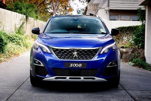 Có nên mua Peugeot 3008?