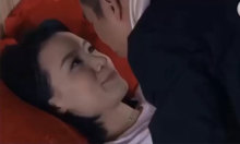 Cặp đôi méo mặt vì giường sập khi ân ái