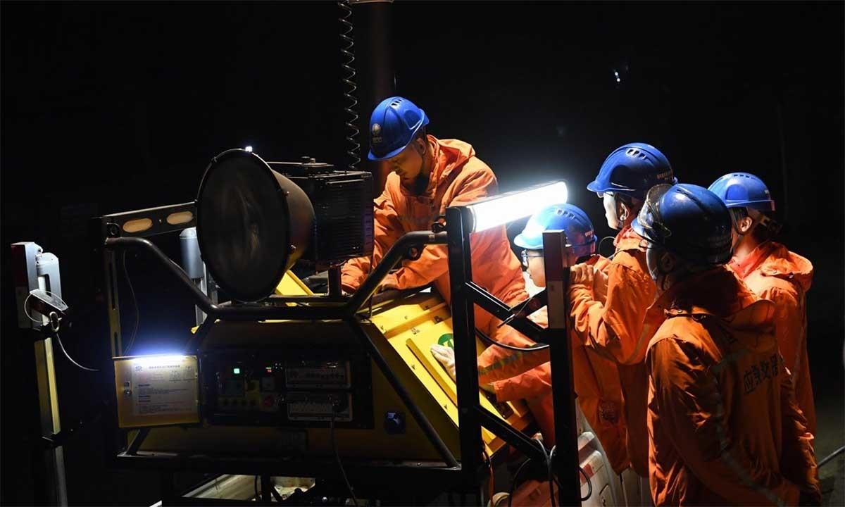 18 người chết ngạt dưới mỏ than