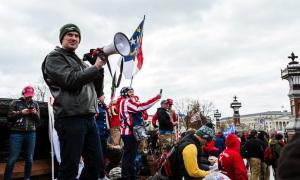 Nước Mỹ thức tỉnh sau 'cuồng phong' Trump