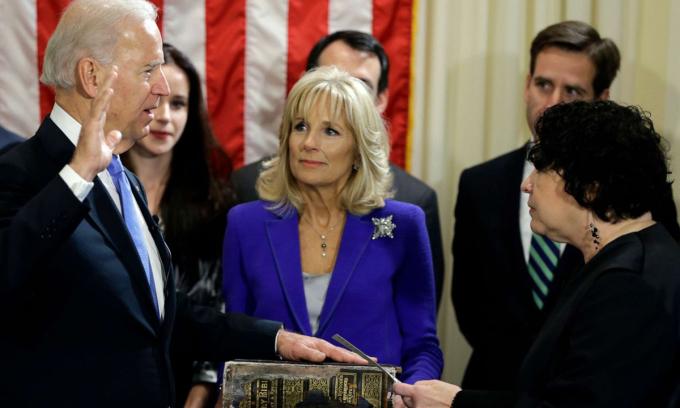 Truyền thống tổng thống Mỹ dùng kinh thánh trong lễ nhậm chức
