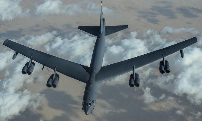 Mỹ lại cho B-52 'dằn mặt' Iran
