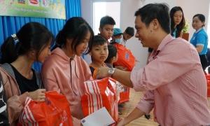 200 phần quà Tết cho học sinh Vũng Tàu