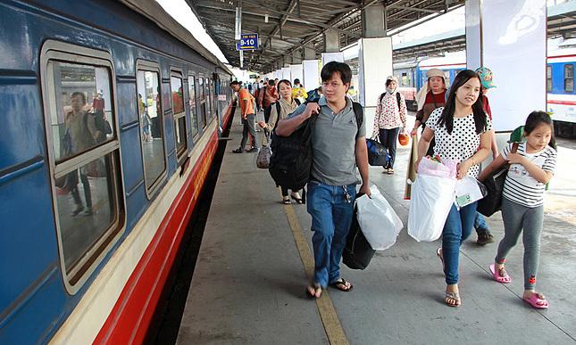 Đường sắt chạy lại nhiều tàu khách