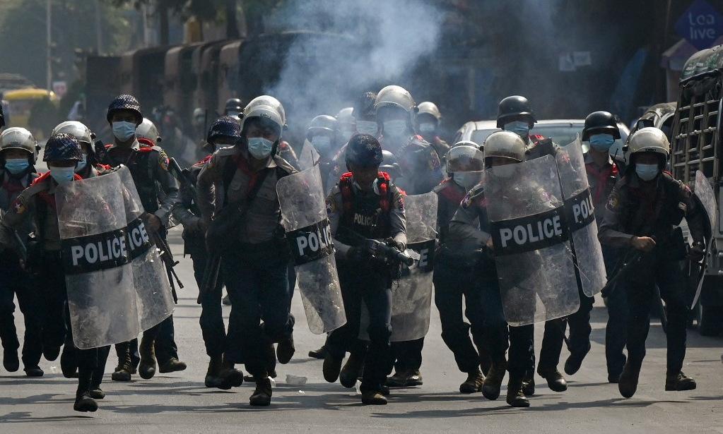 Người biểu tình Myanmar nghi bị cảnh sát bắn chết - VnExpress