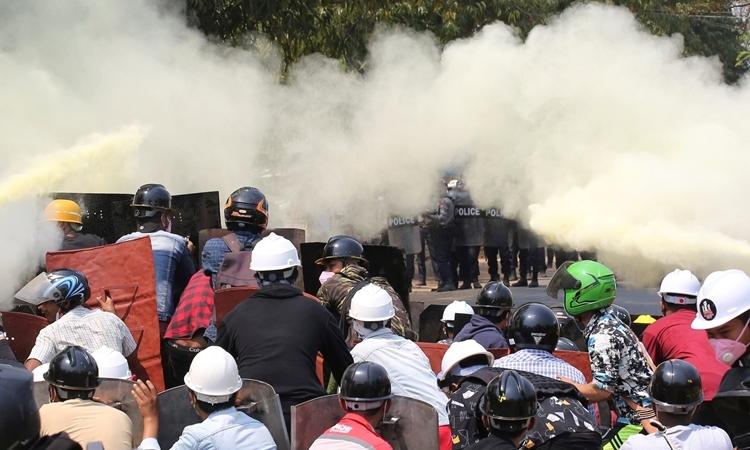 An ninh Myanmar bắn chết hai người biểu tình