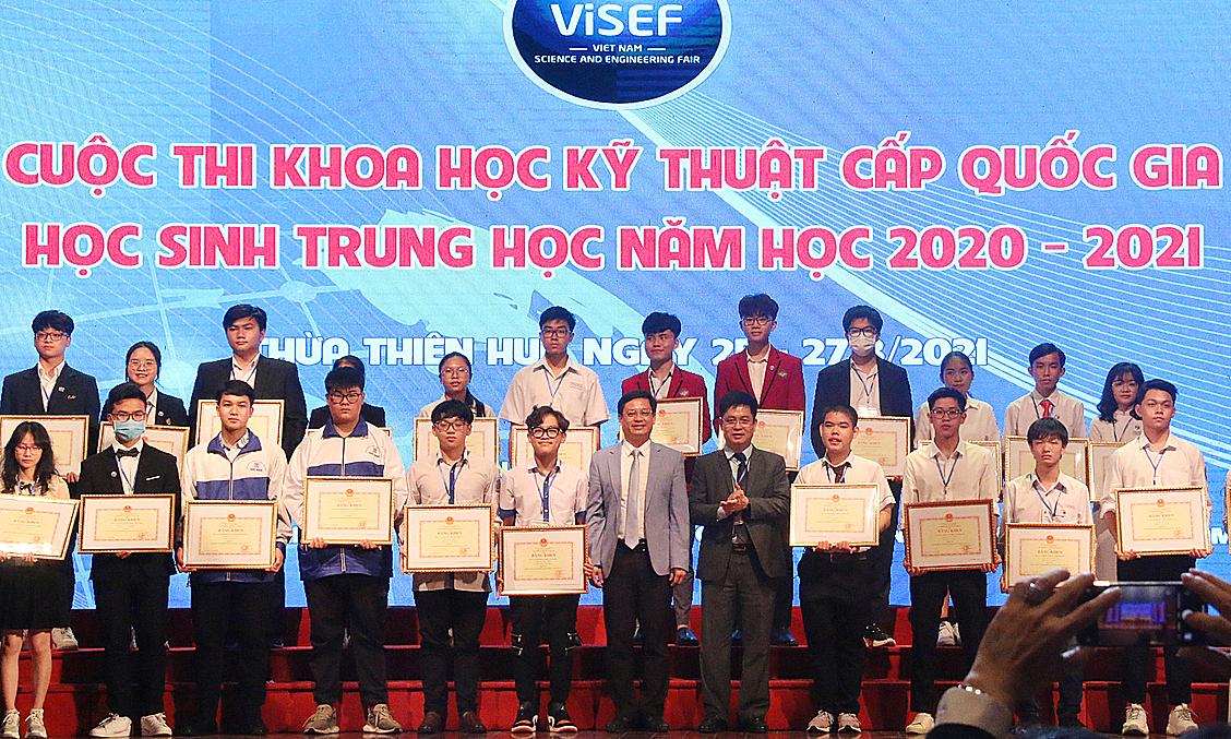 12 dự án đoạt giải nhất cuộc thi khoa học kỹ thuật quốc gia